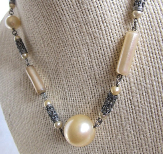 Vintage 1940s Pearl And Silver Tone Filigree Choker Necklace