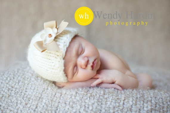 Knit Newborn Baby Girl Hat with Bow and Flower