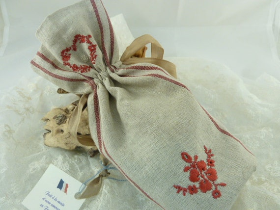 Reusable French Linen  Drawstring pouch with Organic Lavender, Red Stripes & Floral Heart