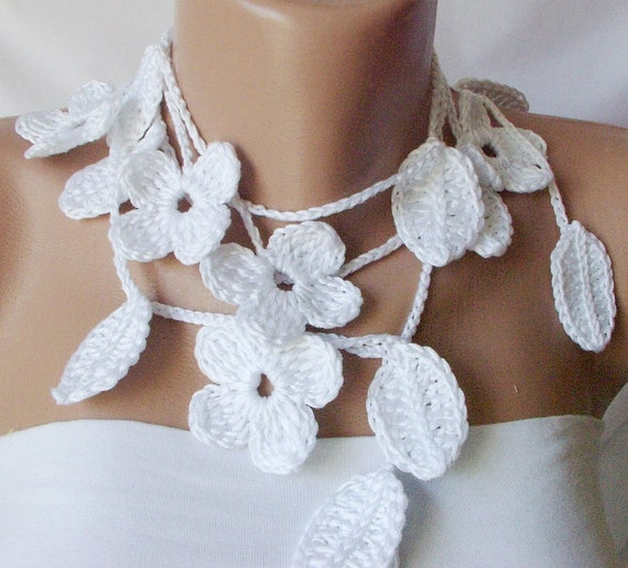 White leaves and small flora and sequein beautiful rose color, lariat, scarf, necklace