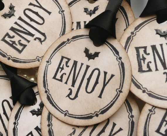 Halloween Favors, Halloween Wedding, Gothic Favor Tags, Treat Bag Labels, Set of 8, Gothic Wedding Tags, Bat Wedding Tags, Black Wedding Tag