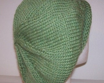 Rolled Brim Wool Tam - Slouchy Knit Beret - Knitted Drealock Tam - Celery Green Heather