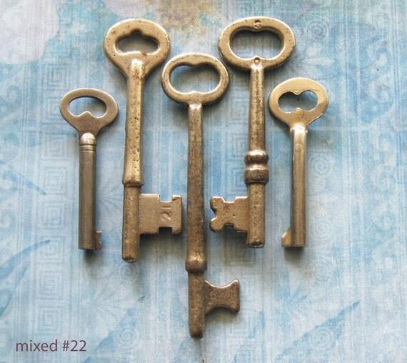 ANTIQUE LOCK KEY Mixed Lot of Vintage Gunmetal Victorian Keys for Diy Steampunk Pendant Charm Jewelry