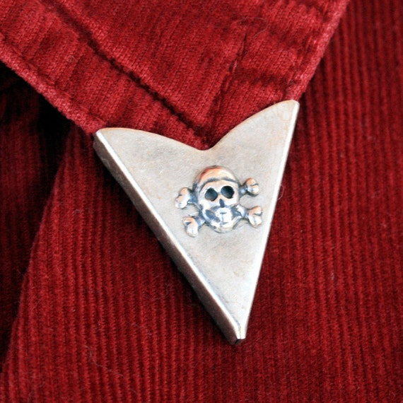 Collar Tips - Skull and Crossbones