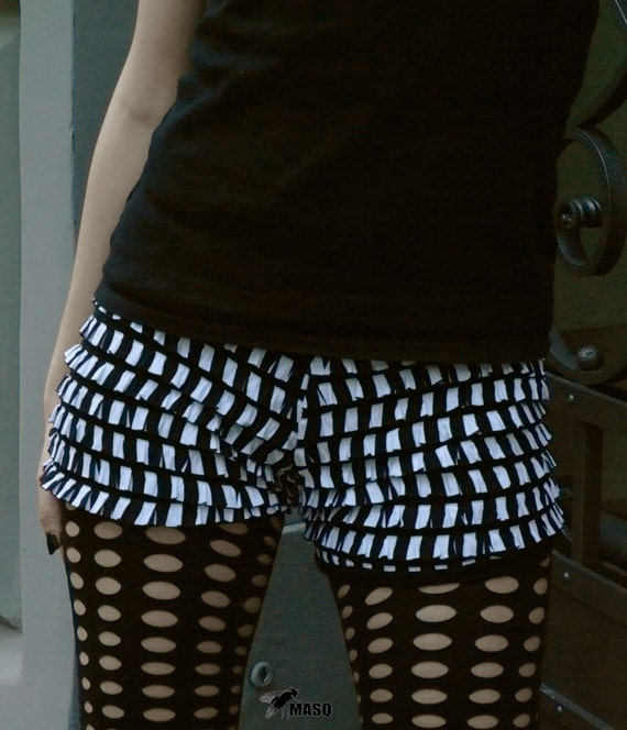 MASQ 2012 Black and white stripes ruffle bloomers, circus, dance hotpants. Size M L