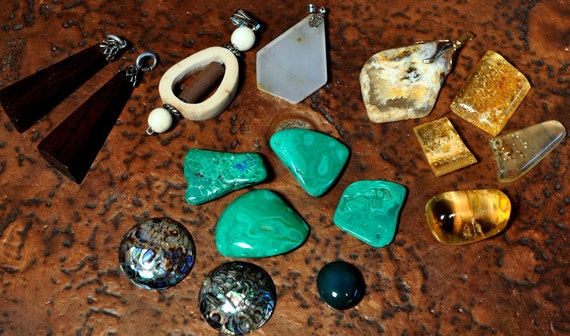 R2 tumbled malachite amber cabachons of agate abalone and several pendants for making jewelry