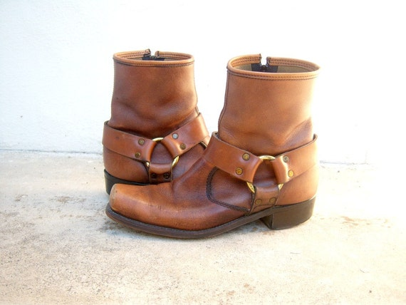 Vintage harness boots // caramel leather // motorcycle boots // mens size 8.5 wmns 10