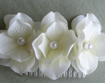 Bridal Hair Wedding Hair Ivory White Hydrangea Flower Hair Comb Fascinator with Pearls