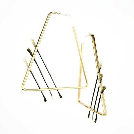 Triangle hoop earrings  -  minimalist architectural earrings - geometric - mixed metal