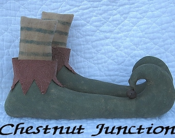 Elf Boots EPATTERN - primitive christmas holiday cloth doll craft digital download sewing pattern - PDF - 1.99