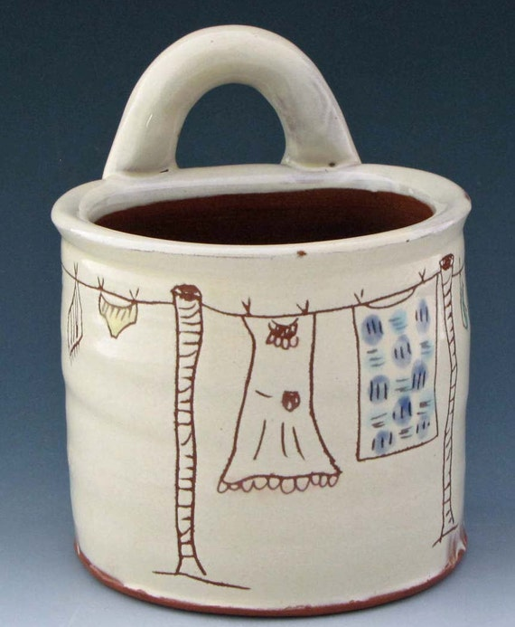 Wall Basket with Clothes Line Decoration Terracotta Ceramics