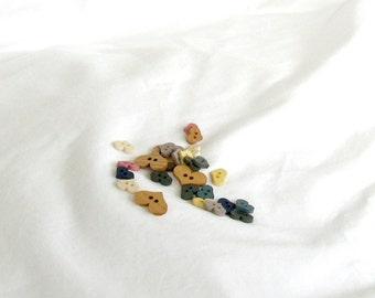 Buttons, wood, hearts, flat, multicolors, F, destash