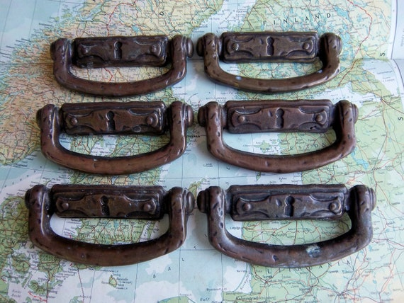 6 vintage textured metal pull handles with faux keyhole includes hardware