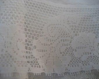Wide VINTAGE White Lace Applique Trim