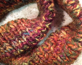 MOBIUS Scarf, Hand Spun, Hand KNIT Scarf to Wrap you in Soft Cuddly Warmth