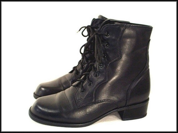 80's vintage BLACK leather lace-up ankle grunge boots 7