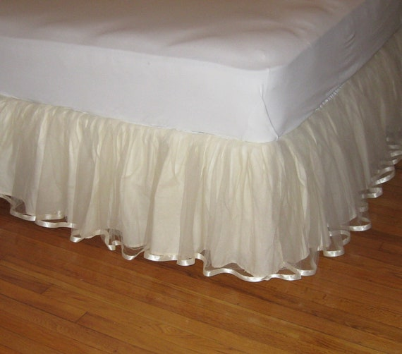 14 15 Or 16 Inch Queen Size Tulle Bedskirt With Satin Ribbon