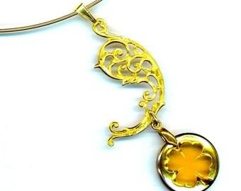 Lucky Pendant . Vintage Clover Charm . Shamrock Choker . Gold Plate Filigree Paisley  - Good Luck Clover by enchantedbeas on Etsy