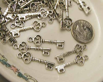 Pewter Key Charms - 10 pcs - Silvertone
