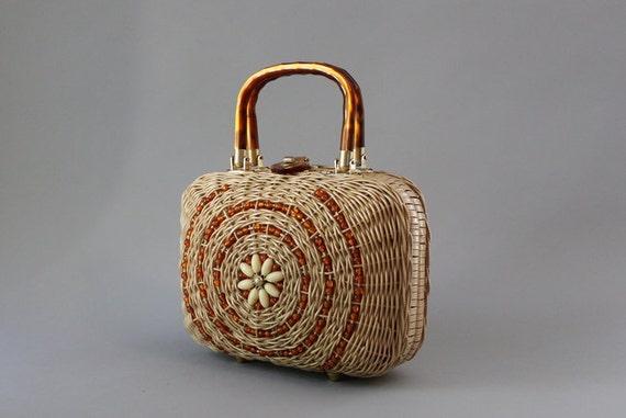 Vintage 50s Bag / 1950s Beaded Wicker Bag / Lucite Handle Frame Bag