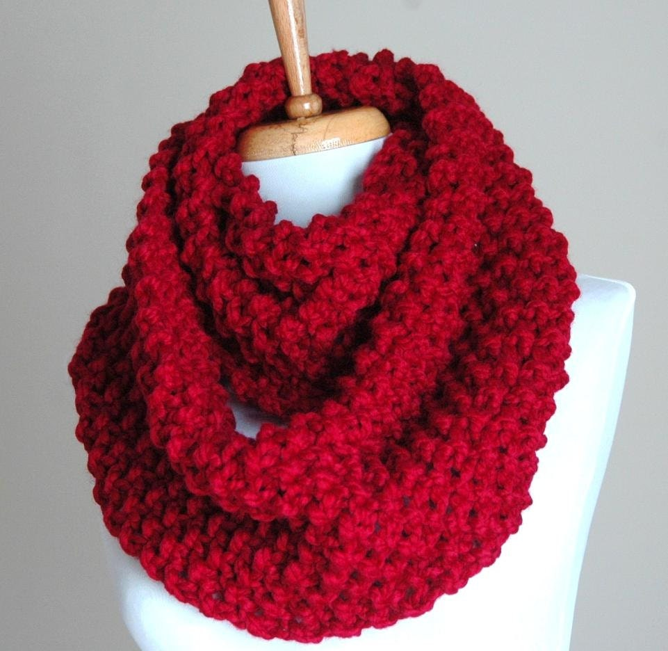 Chunky hand knit infinity scarf in cranberry red knitted zoom bankloansurffo Choice Image
