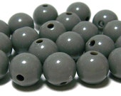 10mm Opaque acrylic plastic beads in Grey 20pcs