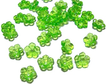 Transparent green flower beads 50pcs