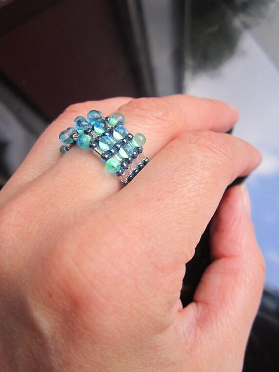 Tear drop beaded ring made with miyuki drop seed beads blue and green