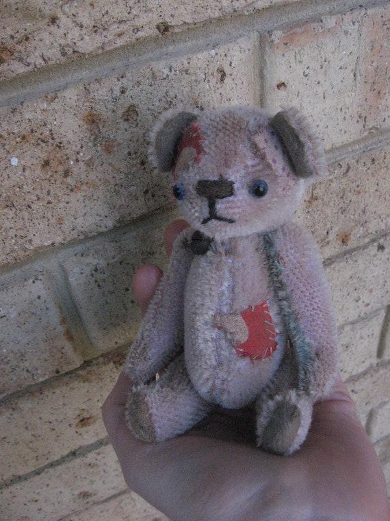 OOAK  Handmade primitive vintage old antique artist miniature mohair mini gift teddy bear Katy Nissen Raggy Bears
