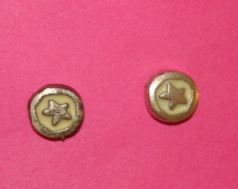 adorable vintage silver stars with yellow inlay pierced earrings