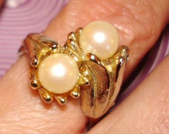 lovely vintage golden lilies pearl cocktail ring