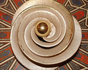 vintage whitewashed gold spiral flower brooch