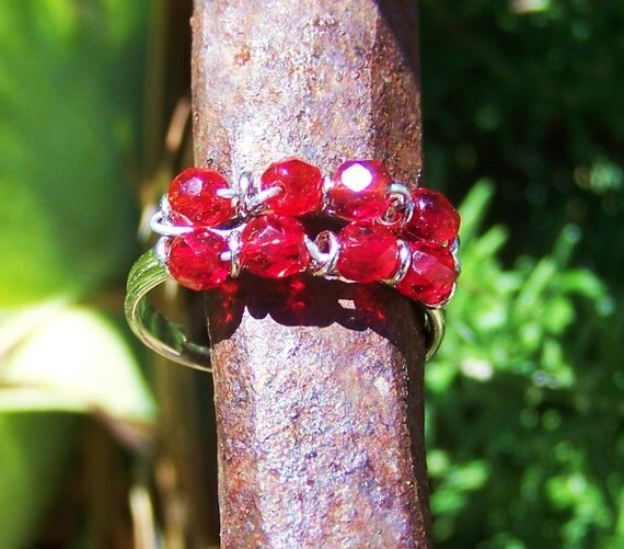 Red glass adjustable ring with Swarovski elements