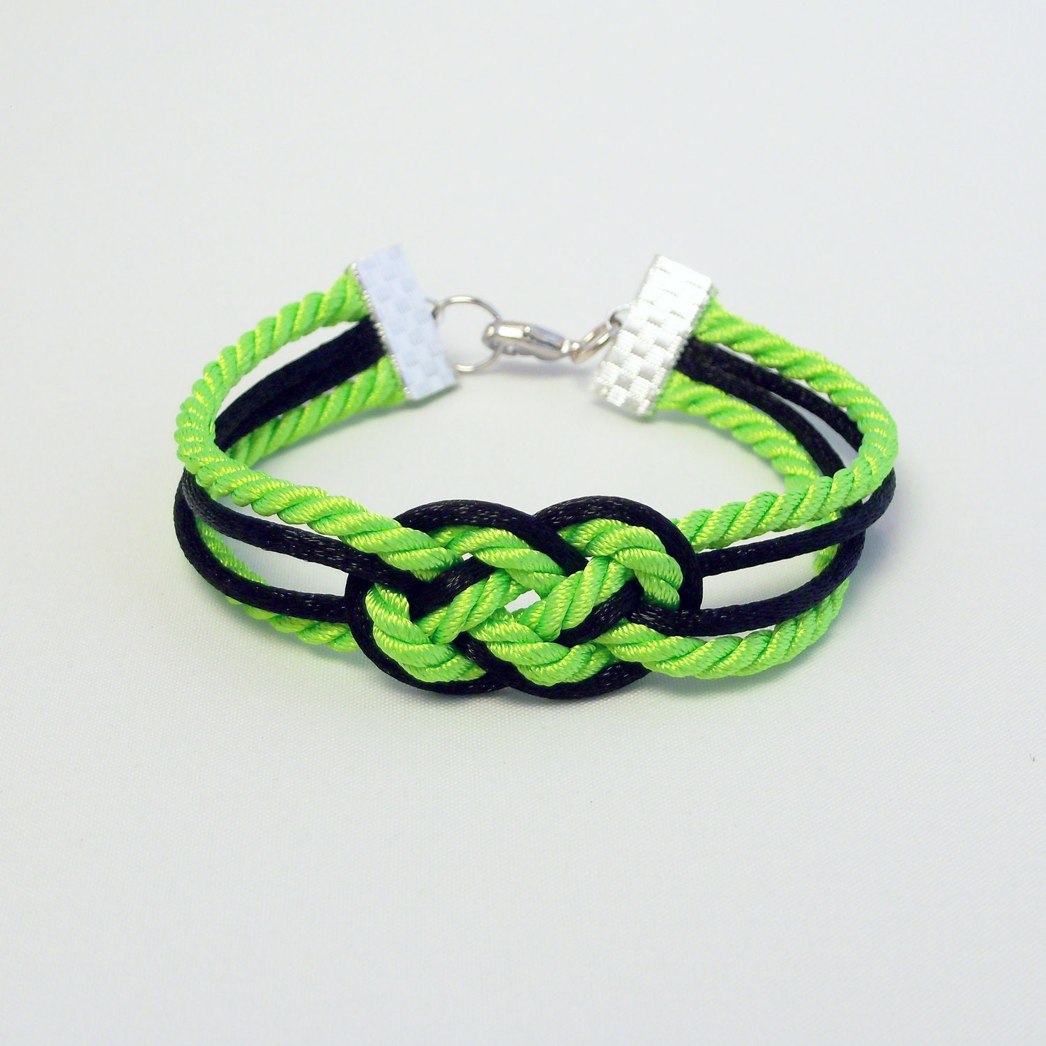 Black Double Infinity Knot