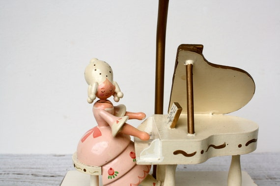 Vintage Lamp - Marie Antoinette Playing Piano - 1960s