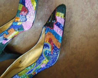 Glamour vintage 80s art deco style multicolor seed beads pumps. Made by Caparros. Size7B