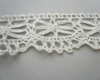 Antique Creamy White Cluny Lace  L703