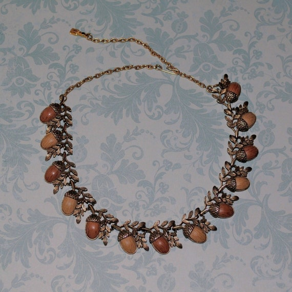 Vintage Gold Toned Thermoset Acorn Link Choker Necklace