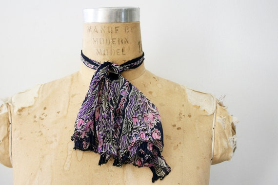 vintage 50s Silk Accordian Pleated Tulip Floral Print Ladies Neck Tie Ascot
