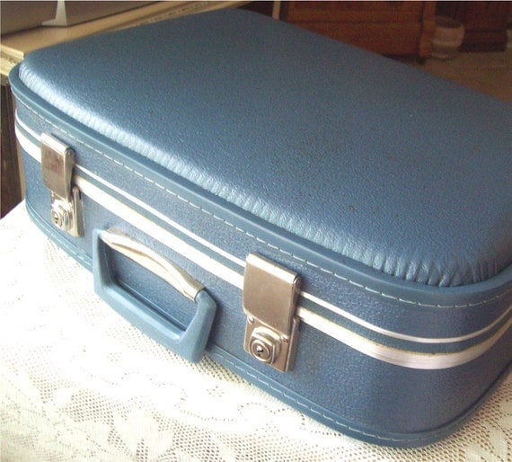 Makeup Overnight Train Case Blue Holiday Luggage Travel Vanity