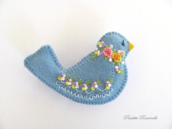 Felt Birdie Pin / Bird pin