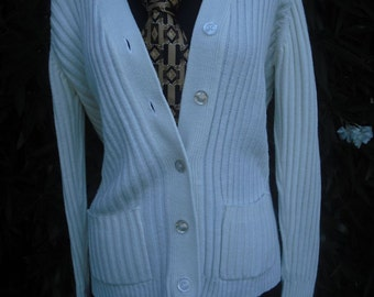 1970s Fully Fashioned Sweater, White Ribbed Lightweight Cardigan, Fully Fashioned Cardigan size Medium