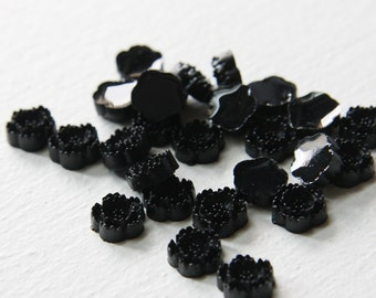 10pcs Acrylic Flower Cabochons- Black 10mm (6F19)