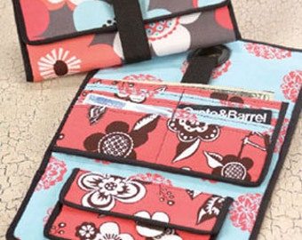 Clearance PATTERN GROMMET WALLET by Indygo Junction