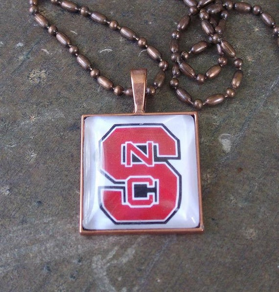 NC State - 12 glass pendants and chains