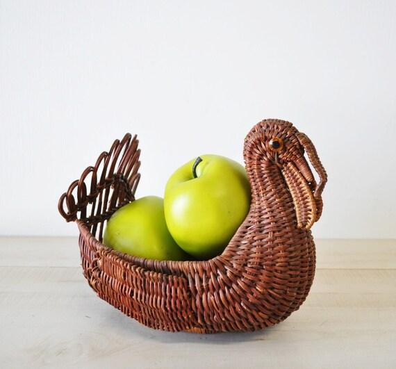 natural wood turkey basket--vintage basket--1970s harvest home decor