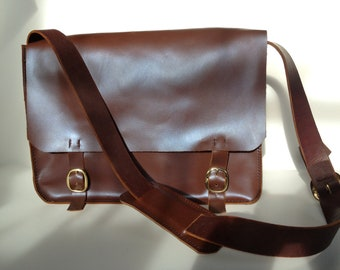 Bagley Executive Courier (With Internal Divider) Chestnut
