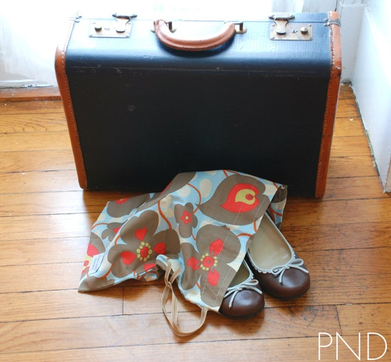 """Shoe bag with Amy Butler """"morning glory"""" fabric"""
