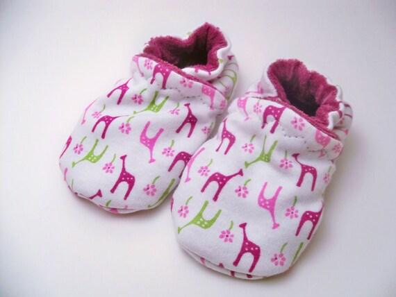 Giraffes crib shoes, booties, slipper, size custom size preemie,  newborn, 0,3,6,9,12,18 months