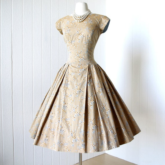 vintage 1950's dress ...gorgeous designer PAT PREMO cherry blossom floral novelty print cotton full skirt pin-up party dress m l
